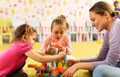 شاخصهای تحول طبیعی کودک (چهار سالگی تا پنج سالگی)